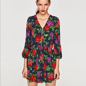 Floral Print Zip up long sleeves dress, NWT